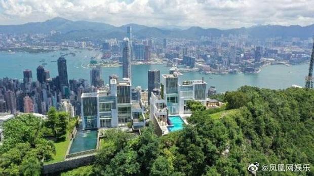 Rầm rộ tin Châu Tinh Trì thua bạc, vội thế chấp siêu biệt thự 3,5 ngàn tỷ đồng, bị tình cũ đòi thêm 245 tỷ nợ nần - Ảnh 8.