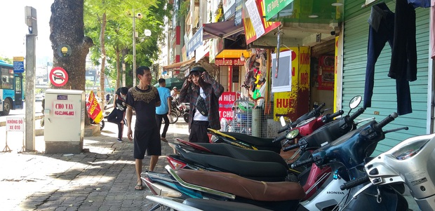 Hà Nội: Con dâu mắc nợ khiến cha mẹ già phải bỏ nhà mặt phố vì bị khủng bố - Ảnh 3.