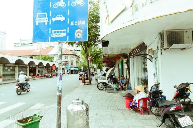 Hàng ốc xào kỳ lạ nhất Sài Gòn chỉ bán 1 món suốt 2 đời, giá tận 120k/lon ốc toàn nhà giàu hay giới sành ăn mới dám mua ship thẳng luôn sang Mỹ - Ảnh 5.