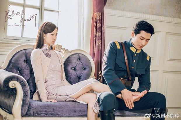 Đậu Kiêu bóp chân cho hoa khôi học đường Trần Đô Linh trong phim mới, bạn gái đại gia có ghen không nhỉ? - Ảnh 4.