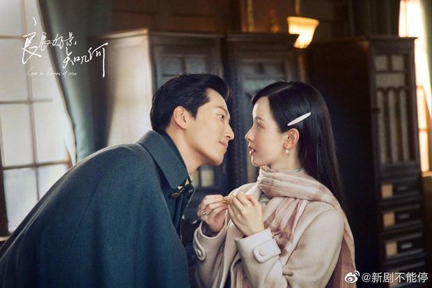 Đậu Kiêu bóp chân cho hoa khôi học đường Trần Đô Linh trong phim mới, bạn gái đại gia có ghen không nhỉ? - Ảnh 3.
