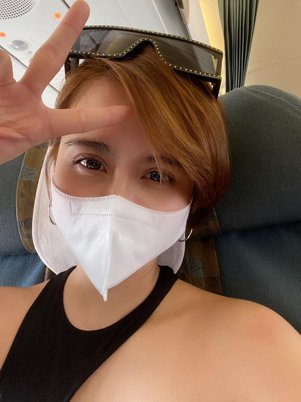 MC Thu Hoài được bạn trai CEO tháp tùng bay vào Đà Nẵng dự đám cưới Phanh Lee - Ảnh 2.