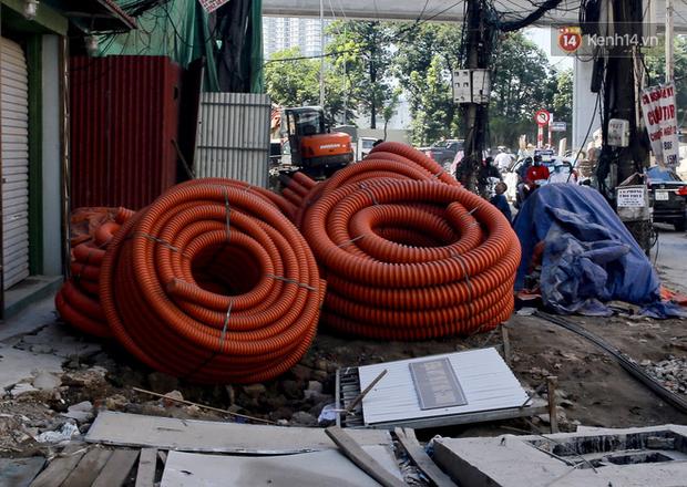 """Hà Nội: Ùn tắc, ô nhiễm môi trường do thi công như """"rùa bò"""" tại đường Vũ Trọng Phụng - Ảnh 5."""