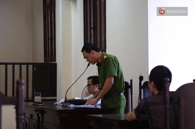 Hoãn phiên xử vụ cô gái yêu anh rể đầu độc chị họ ở Thái Bình, người thân nạn nhân ôm di ảnh khóc nghẹn - Ảnh 7.