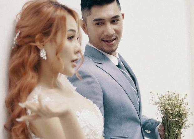 """Lương Bằng Quang bỗng tung ảnh cưới Ngân 98, nhưng lại mượn lời nhạc """"chia tay dù rất khó để quên""""? - Ảnh 2."""