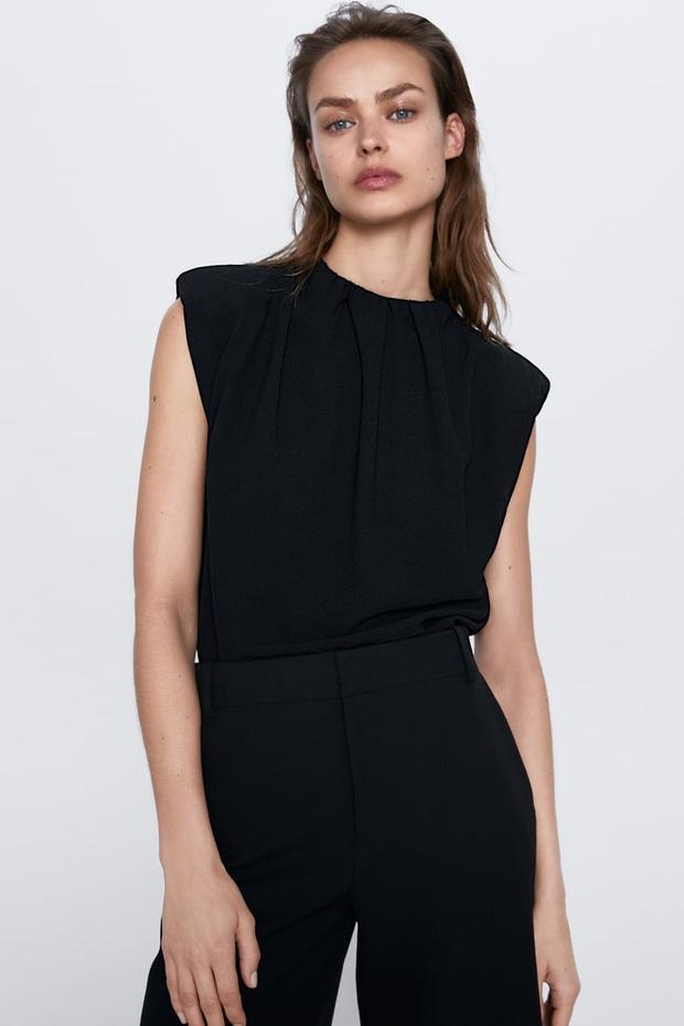 Hot hit nhất lúc này là áo phông độn vai, nàng nào diện lên cũng cool ngầu quyền lực đậm chất nữ tổng tài - Ảnh 11.
