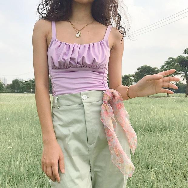 Nóng thế này sắm áo 2 dây là chuẩn nhất: 10 gợi ý từ lụa trơn đến sexy, bánh bèo xinh yêu giá chỉ từ 120k cho chị em tha hồ chọn  - Ảnh 9.