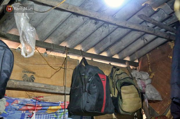 Người nghèo oằn mình trong căn phòng trọ bằng tôn cao chưa đầy 4m dưới nắng nóng 50 độ ở Hà Nội: Giữa trưa hơi nóng phả xuống không khác gì cái lò nướng cỡ lớn - Ảnh 6.