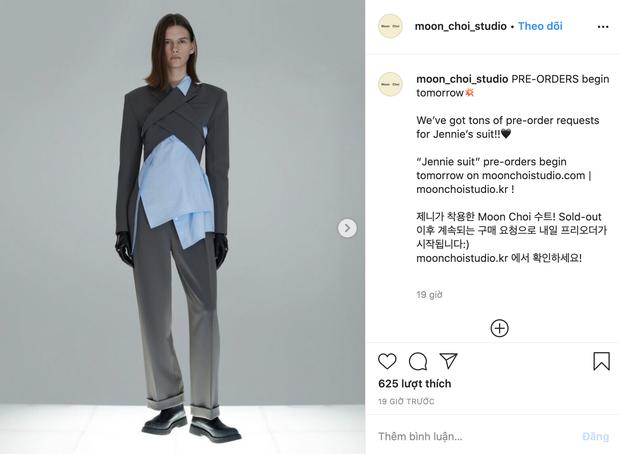 2 chiếc áo Jennie mới diện được chị em tranh nhau tìm mua, hot hit đến độ brand Hàn phải mở pre-order để đáp ứng - Ảnh 6.