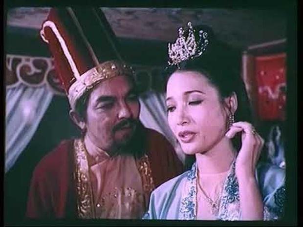 7 cảnh nóng từng gây chấn động làng phim Việt: Số Đỏ tưởng bị cấm chiếu nhưng vẫn lội ngược dòng với vô vàn cảnh gợi cảm - Ảnh 5.
