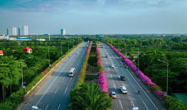 Xuất hiện cây cầu hoa giấy bạt ngàn, team Hà Nội lại có thêm một khu xinh xắn để tha hồ check-in - Ảnh 2.