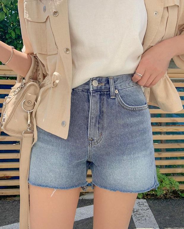 Nhắn nhủ chị em kiểu jean short chuẩn từng vóc dáng: Đùi to đến mấy cũng có dáng quần dành riêng cho mình - Ảnh 1.