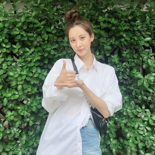 Đã bao mùa Hè trôi qua, sao Hàn vẫn chưa chán một kiểu áo sơ mi ai mặc cũng đẹp và sành điệu hơn gấp bội - Ảnh 5.