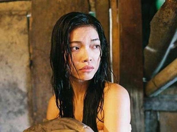 7 cảnh nóng từng gây chấn động làng phim Việt: Số Đỏ tưởng bị cấm chiếu nhưng vẫn lội ngược dòng với vô vàn cảnh gợi cảm - Ảnh 10.