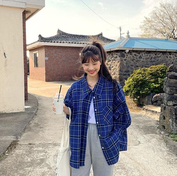 Đã bao mùa Hè trôi qua, sao Hàn vẫn chưa chán một kiểu áo sơ mi ai mặc cũng đẹp và sành điệu hơn gấp bội - Ảnh 9.