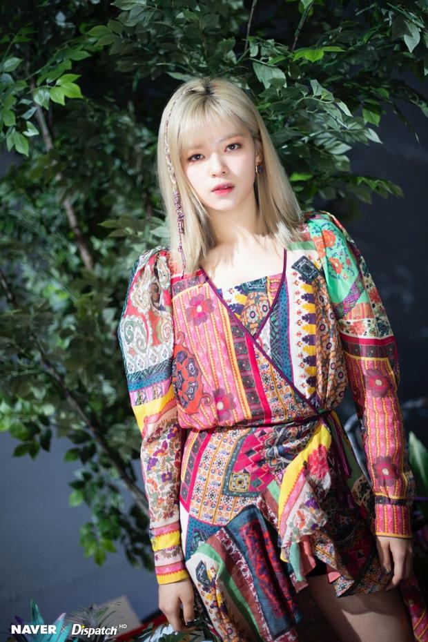 Twice lột xác phi thường với style mới nhưng mỹ nhân khiến netizen ấn tượng nhất không phải Tzuyu mà là người này - Ảnh 10.