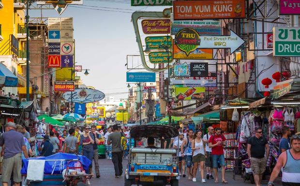 Tụ điểm hot nhất nhì Bangkok - con đường Khao San được khoác áo mới, dự kiến sẽ trở lại hoành tráng vào tháng 8 này - Ảnh 1.