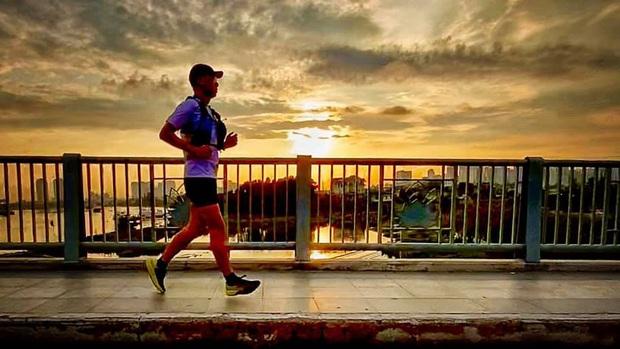 Bạn bè thương tiếc chia buồn nam vận động viên marathon tử vong ở Lâm Đồng - Ảnh 3.