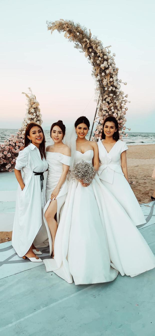 Đám cưới Phanh Lee và tổng giám đốc tập đoàn nghìn tỷ: Cô dâu xinh đẹp rạng rỡ, MC Thu Hoài - Huyền Lizzie làm phù dâu - Ảnh 6.