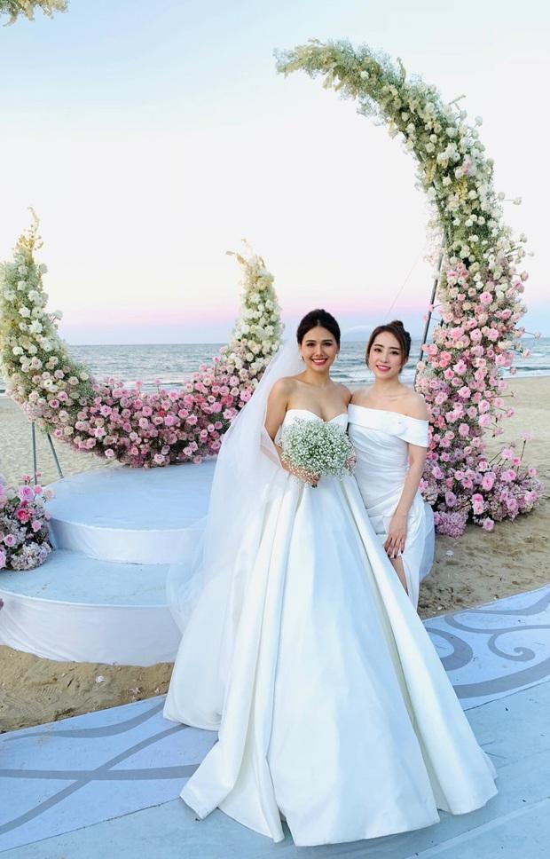 Đám cưới Phanh Lee và tổng giám đốc tập đoàn nghìn tỷ: Cô dâu xinh đẹp rạng rỡ, MC Thu Hoài - Huyền Lizzie làm phù dâu - Ảnh 5.