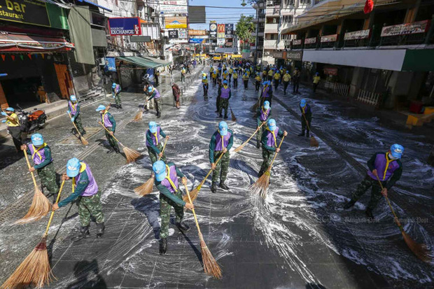 Tụ điểm hot nhất nhì Bangkok - con đường Khao San được khoác áo mới, dự kiến sẽ trở lại hoành tráng vào tháng 8 này - Ảnh 2.