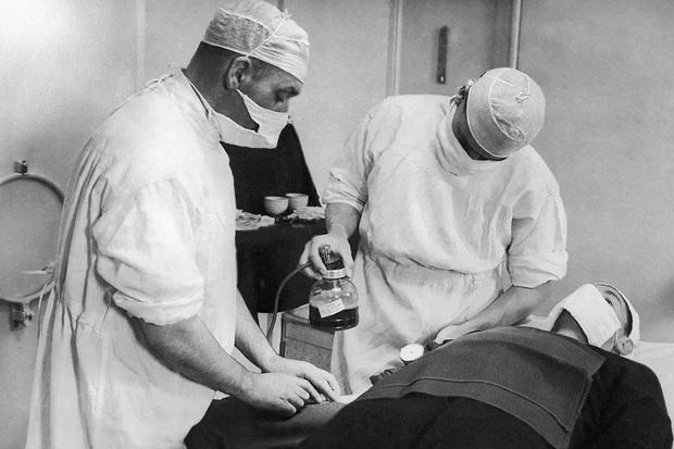 Chuyện về bệnh K: Trùng tên với ung thư, nhưng lại là căn bệnh duy nhất trong lịch sử đã cứu sống rất nhiều người vô tội - Ảnh 3.