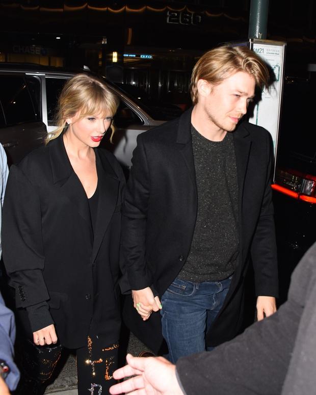 Thì thầm Hollywood: Justin Bieber sẽ ly dị vì 4 lý do, Taylor Swift bí mật cưới và chuyện Angelina Jolie trả thù Brad - Jennifer - Ảnh 10.