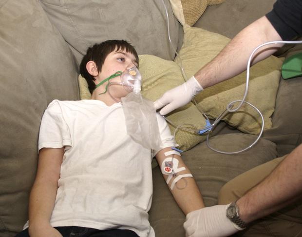 Thiếu niên 18 tuổi suýt mất mạng vì đột quỵ, nguyên nhân là do hành động mà nhiều người trẻ vẫn hay làm hàng đêm - Ảnh 5.