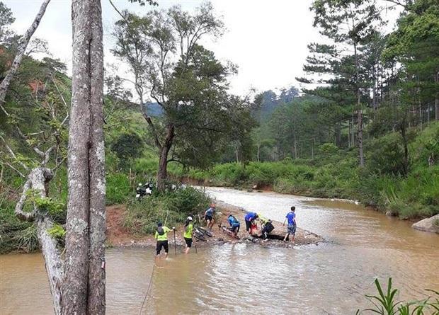Bạn bè thương tiếc chia buồn nam vận động viên marathon tử vong ở Lâm Đồng - Ảnh 2.