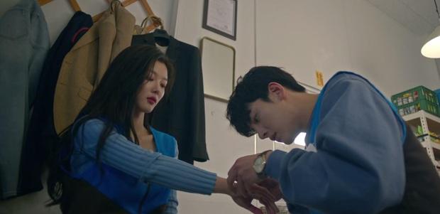 Ji Chang Wook say bí tỉ bị Kim Yoo Jung đánh đầu tóe lửa vì nói mớ tên người yêu ở tập 2 Backstreet Rookie - Ảnh 11.