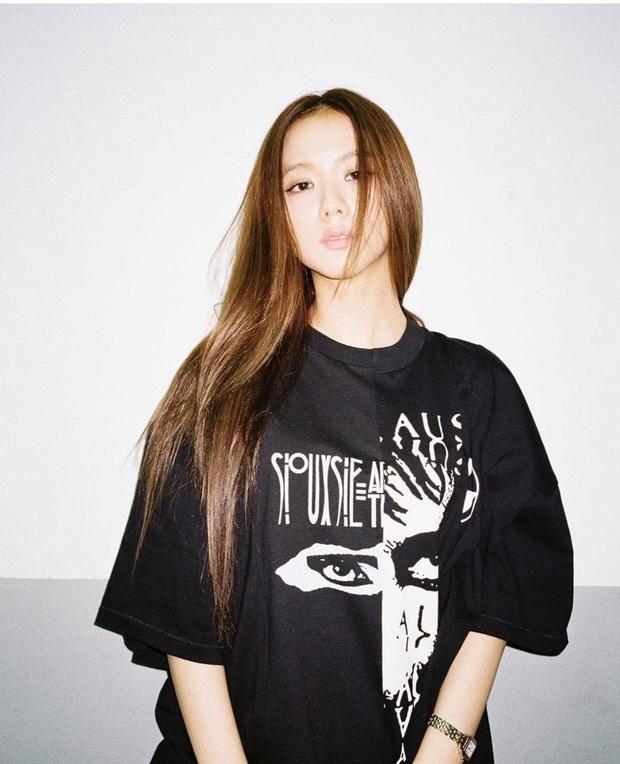 Đến chịu Jisoo, đến giờ vẫn bắt lú fan, không ai biết lần này màu tóc thực sự của cô là gì - Ảnh 4.
