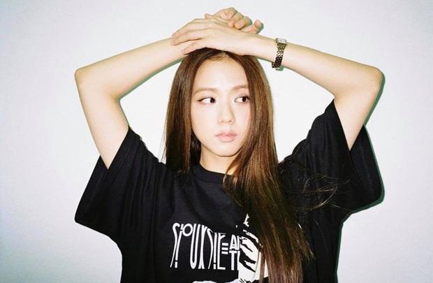 Đến chịu Jisoo, đến giờ vẫn bắt lú fan, không ai biết lần này màu tóc thực sự của cô là gì - Ảnh 5.