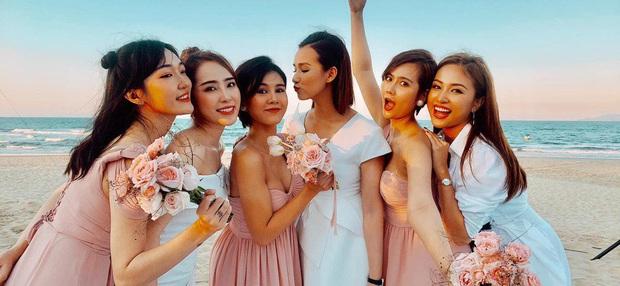Hé lộ loạt ảnh đầu tiên của dàn sao trong tiệc cưới Phanh Lee: Quỳnh Nga, Vân Hugo lên đồ sang chảnh, rạng rỡ mừng hạnh phúc bạn thân! - Ảnh 6.