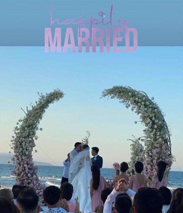Đám cưới Phanh Lee và tổng giám đốc tập đoàn nghìn tỷ: Cô dâu xinh đẹp rạng rỡ, MC Thu Hoài - Huyền Lizzie làm phù dâu - Ảnh 8.