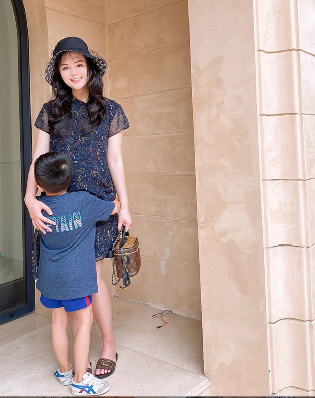 Hình ảnh mới nhất của Quỳnh Anh (vợ Duy Mạnh) khi mang bầu: To gấp đôi mọi người - Ảnh 2.