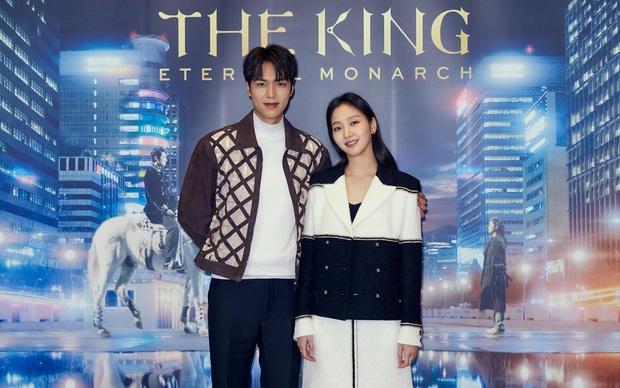 Bị chê gượng trên màn ảnh, Lee Min Ho và Kim Go Eun lại được phát hiện dấu hiệu sinh ra để dành cho nhau ngoài đời - Ảnh 7.