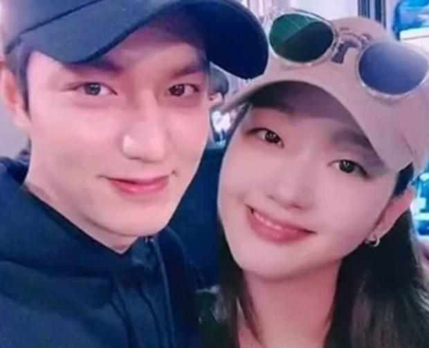 Bị chê gượng trên màn ảnh, Lee Min Ho và Kim Go Eun lại được phát hiện dấu hiệu sinh ra để dành cho nhau ngoài đời - Ảnh 5.