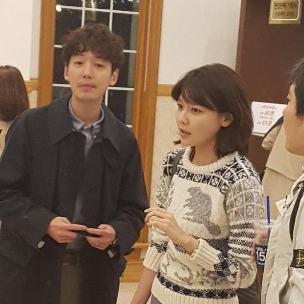 Tài tử Hospital Playlist hé lộ vai trò của Sooyoung trong cuộc đời mình, đặc biệt thế này khác gì vợ chồng đâu? - Ảnh 4.