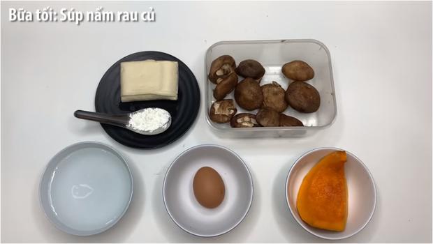 Muốn ăn kiêng bằng yến mạch, loại tinh bột vừa ngon vừa không béo, thử ngay thực đơn giảm cân cấp tốc trong 1 ngày của Uyên Pu - Ảnh 10.