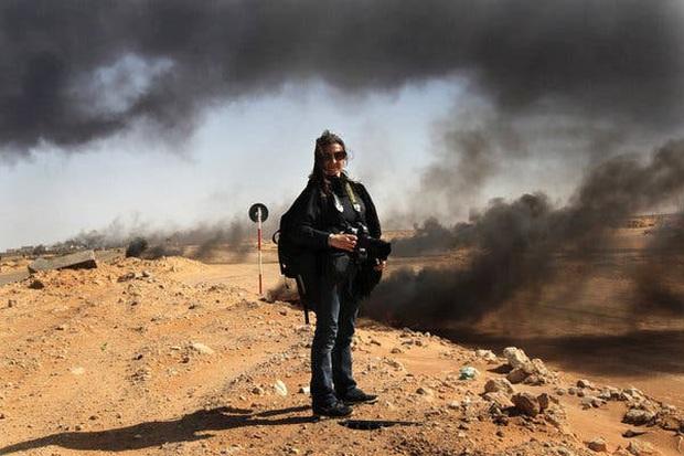 Chùm ảnh: vì sao phóng viên, nhà báo lại là một trong những nghề nguy hiểm nhất thế giới - Ảnh 3.