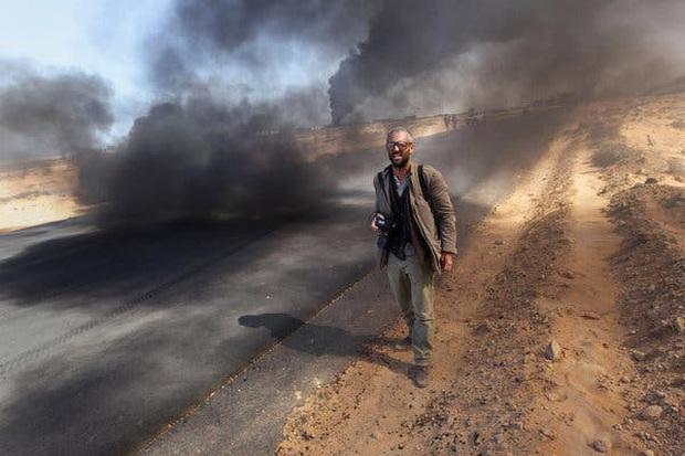 Chùm ảnh: vì sao phóng viên, nhà báo lại là một trong những nghề nguy hiểm nhất thế giới - Ảnh 2.