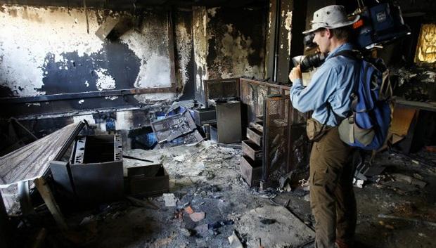 Chùm ảnh: vì sao phóng viên, nhà báo lại là một trong những nghề nguy hiểm nhất thế giới - Ảnh 6.