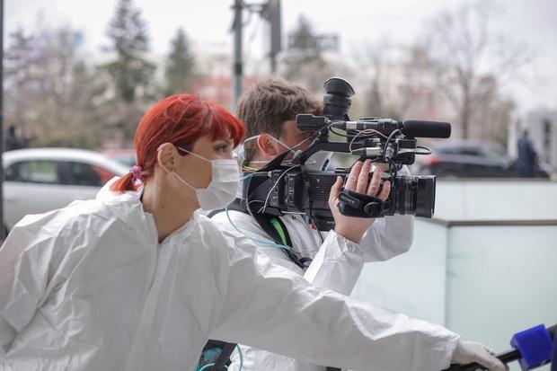 Chùm ảnh: vì sao phóng viên, nhà báo lại là một trong những nghề nguy hiểm nhất thế giới - Ảnh 8.