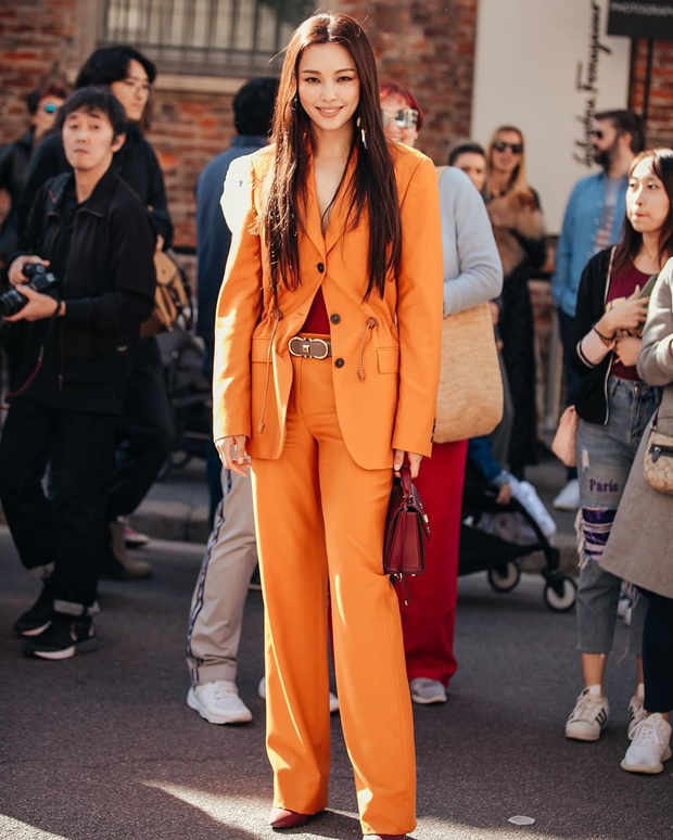 Hoa hậu Hàn đẹp nhất thế giới Honey Lee: Style sự kiện chanh sả bao nhiêu thì style đời thường lại cool bấy nhiêu - Ảnh 1.