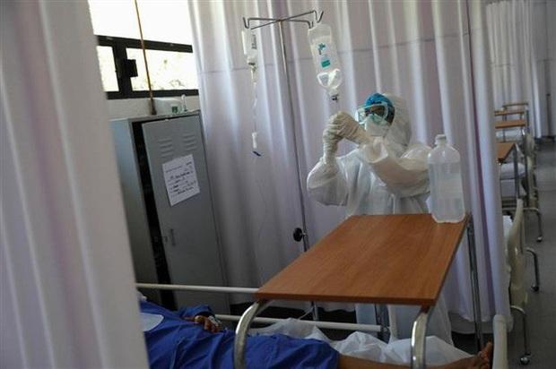 Bệnh nhân tử vong vì người nhà rút điện máy thở để... cắm điều hòa - Ảnh 1.