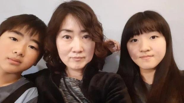 Những Ông bố ngỗng ở Hàn Quốc: Nai lưng làm việc để vợ con được ra nước ngoài sống, chấp nhận cuộc đời gắn liền với những bữa cơm một mình - Ảnh 1.