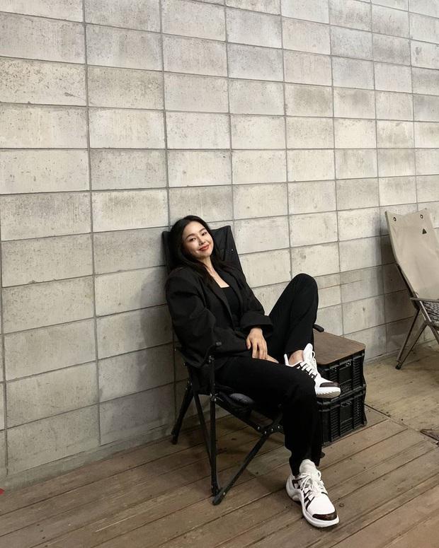 Hoa hậu Hàn đẹp nhất thế giới Honey Lee: Style sự kiện chanh sả bao nhiêu thì style đời thường lại cool bấy nhiêu - Ảnh 10.