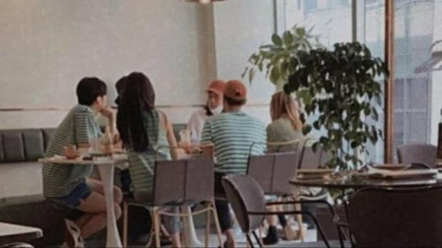 Loạt ảnh hot nhất hôm nay: Dàn sao Reply 1988 mặc dresscode tụ họp đi chơi, đôi chim cu Hyeri - Ryu Jun Yeol có đụng mặt? - Ảnh 5.