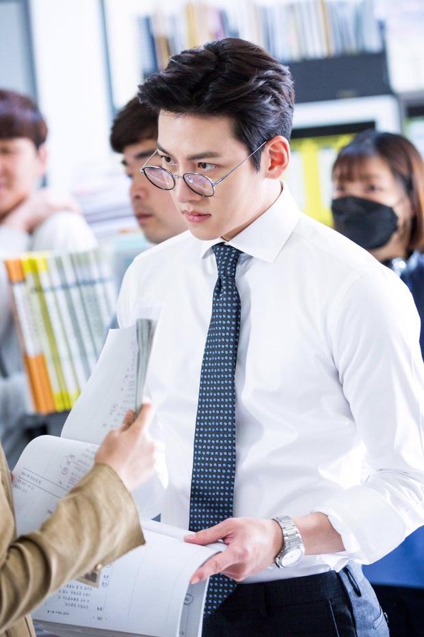 Bóc trần tính cách nam thần Ji Chang Wook ở ngoài đời nhờ 1 tình huống ở Running Man: Có còn ngầu như trên màn ảnh? - Ảnh 5.