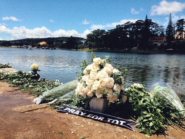 Một bông hồng trắng, một dặm chạy bộ tạo nên hành động đẹp tưởng nhớ VĐV xấu số bị lũ cuốn trôi - Ảnh 2.
